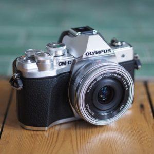 cámara oferta Olympus OM-D E-M10 Mark III